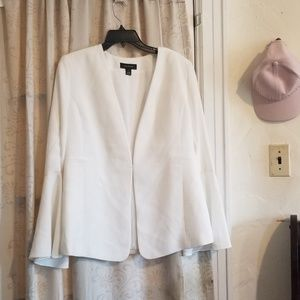 Cute bell sleeves Halogen jacket
